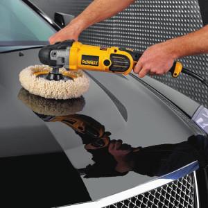 полировка кузова жидким стеклов полировальной машинкой