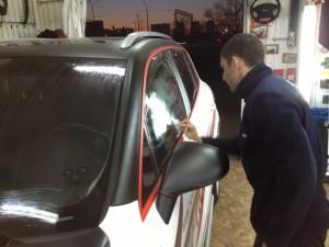 Нанесение покрытия Антидождь на стекла автомобиля