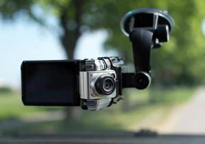 Какие лучше автомобильные видеорегистраторы - отзывы, цены
