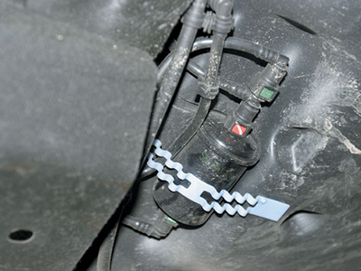 Замена топливного фильтра рено логан 1.4, 1.6 своими руками