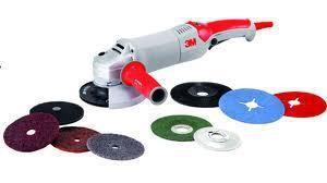 Инструмент и материалы для полировки автомобиля