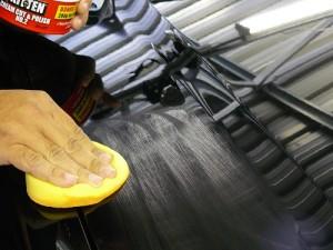 Нанесение полироли на кузов автомобиля вручную