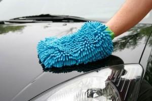 Полировка кузова автомобиля жидким и твердым воском. Какуюиз этих полиролей выбрать